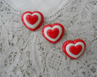Heart brooch plastic red and white x 3 vintage 1980 retro