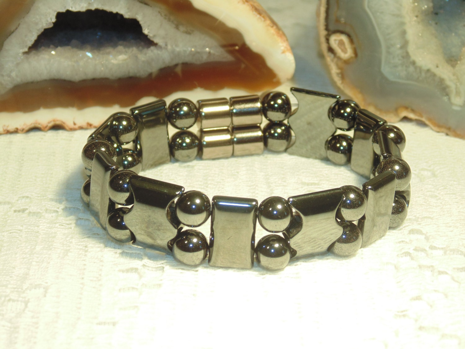 Men 39 s magnetic hematite dress bracelet a very nice for How does magnetic jewelry work