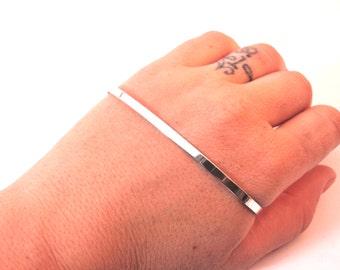 Silver hand cuff