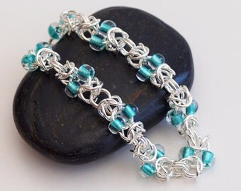 Teal Beaded Bracelet, Beaded Chainmaille Jewelry, Maille Bracelet,  Byzantine Chainmail Bracelet, Chain Mail Bracelet, Chainmail Jewelry