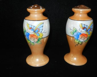 Vintage Salt and Pepper Shakers - Grandmother Stuff - Real Retro Look