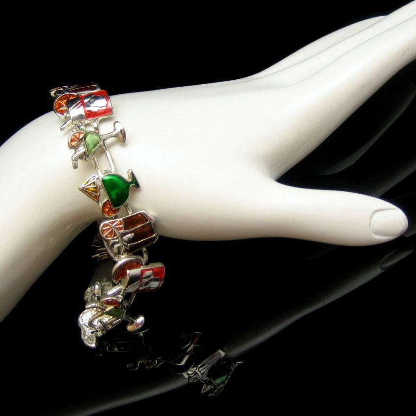 ALT IMG: Fabulous Vintage Enamel Cocktail Charms Bracelet from www.myclassicjewelry.com/blog/vintage-jewelry-for-sale/vintage-charm-bracelet-drinks-bar-tavern-cocktail-waitress Enjoy and share!