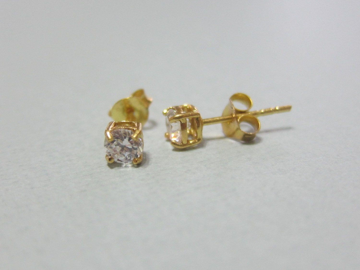 4mm 5mm available gold vermeil cz stud earrings fake diamond. Black Bedroom Furniture Sets. Home Design Ideas