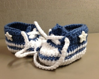 """Baby """"converse"""" booties"""