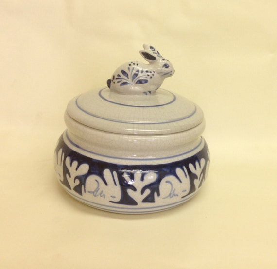 Vintage 1988 Dedham Pottery Potting Shed Covered Bowl With