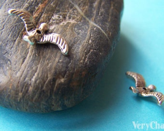 20 pcs of Antique Silver 3D Bird Spacer Beads Charms 10x17mm A838