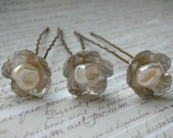 Pearl Hairpins - Isla Flower Hair Pins - Keshi Pearl Silver Flower Hair Pins (Set of 3)