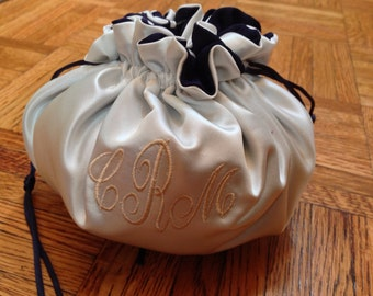 Monogrammed bride bag bridesmaid or flower girl, chose colors