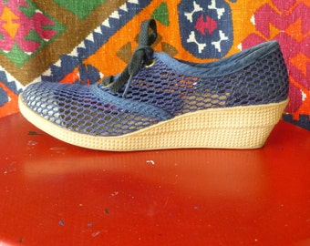 Vintage Blue Mesh Women's  7.5  B Shoes