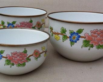 Vintage Enamel Kamenstein Nesting Bowls