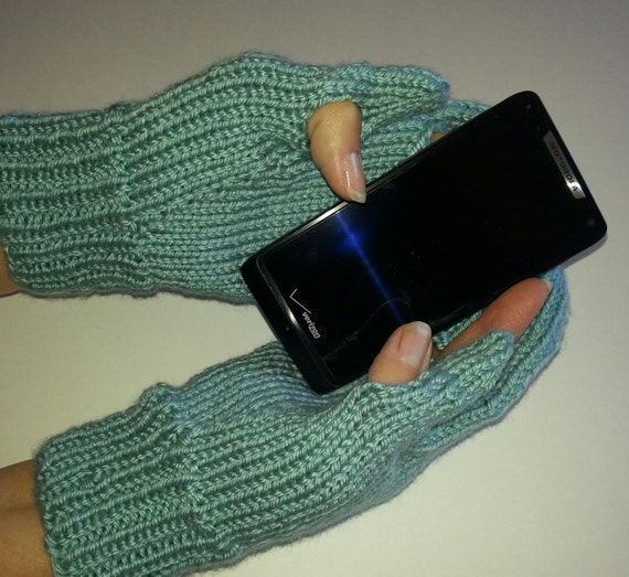 Knitting Pattern For Texting Mittens : Texting Knitted Mittens Pattern by KnitPanache on Etsy