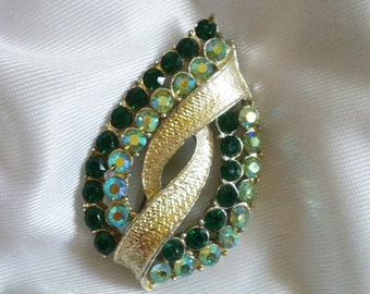 Vintage/Retro green brooch