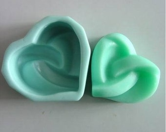 Love Heart Silicone Mold Silicone Mould Candy Mold Chocolate Mold Soap Mold Polymer Clay Mold Resin Mold R0073