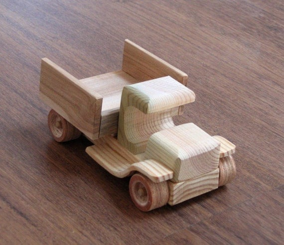 Cars And Trucks Wooden Toy Plans : Wendy the vintage car old style wooden toy pickup truck