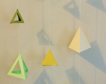 3-D Pyramid Shape Garland