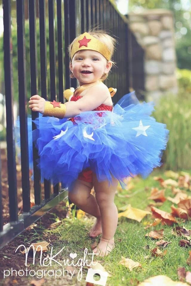 The Girls Wonder Woman Tutu Costume is the perfect Halloween costume for you. Show off your Girls costume and impress your friends with this top quality selection from Costume SuperCenter!