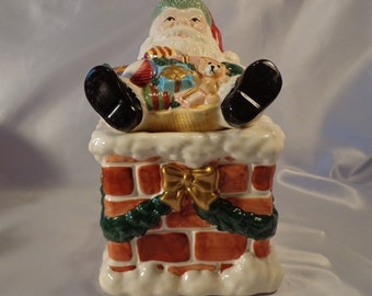 Cookie Jar .  Christmas Santa Claus  on the Chimney