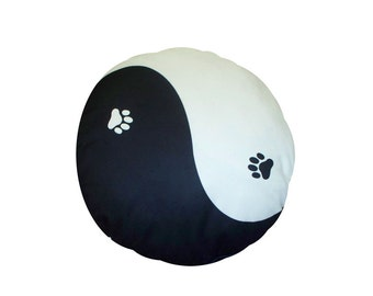 Yin Yang round dog bed. Dogzzzz tired of the same old plaids and stripes brings the rugged outdoors in makes it fun.Free shipping!