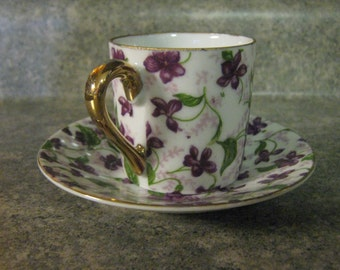 Petite Vintage Teacup and Saucer /  Shabby Chic Floral and Gold