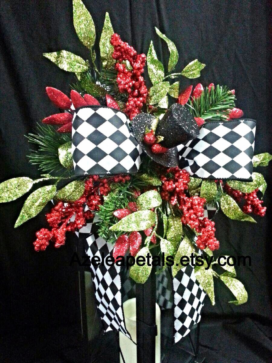 Top Hat Christmas Lantern Swag, Christmas Tree Topper, Harlequin Christmas Lantern Swag, Centerpiece Black & White, Christmas Decor
