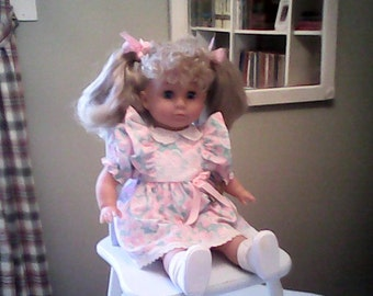 COLLECTORS DOLL by JESSIE   Roxana 1992  Authenticity Certificate