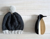 Kocoon Hat, elegant hat, Pure wool. Woman hat. Man hat. Pom pom hat. Winter hat. Hand knitting. Two-tone hat pom pom. .