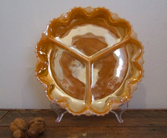Retro Lustreware/Peach Fire Milk Glass Serving Plate (1970/Pyrex/Iridescent)