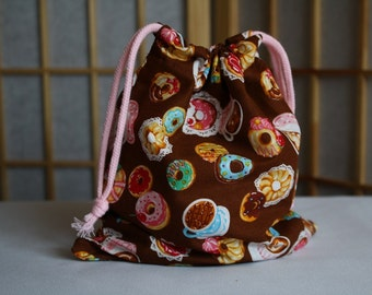 Cute Donut Print Drawstring Bag