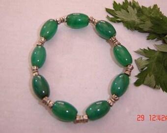 Free shipping - Stretchy Elegant 9 Big Barrel Green Jade Beaded Bracelet