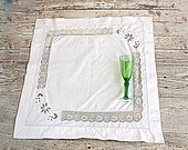 small table cloth table whit single point hand and stuffed filet lace cotton