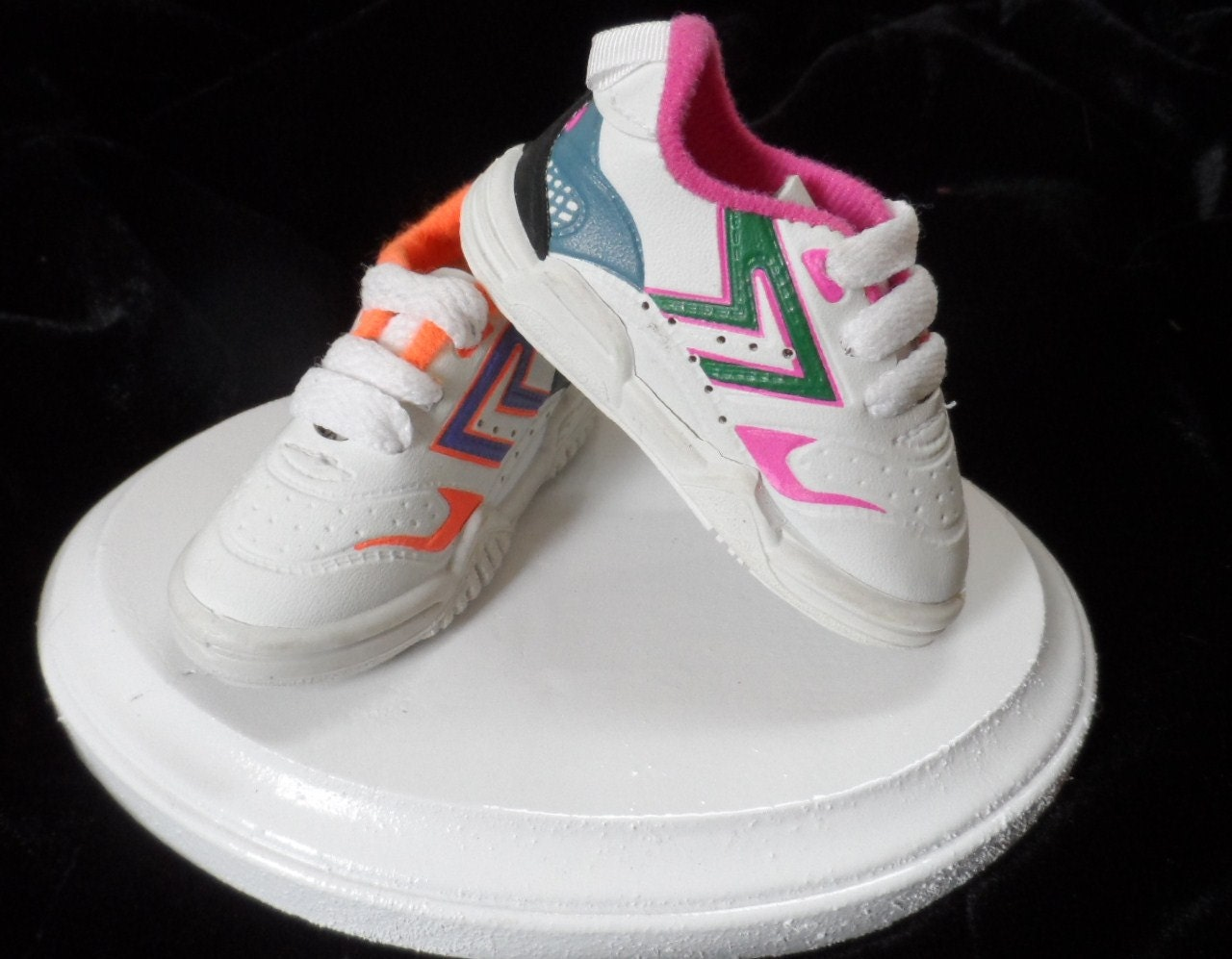 running shoes sneakers tennis shoes wedding cake topper