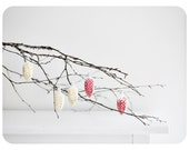Set with 5 christmas tree pine ornaments red and yellow