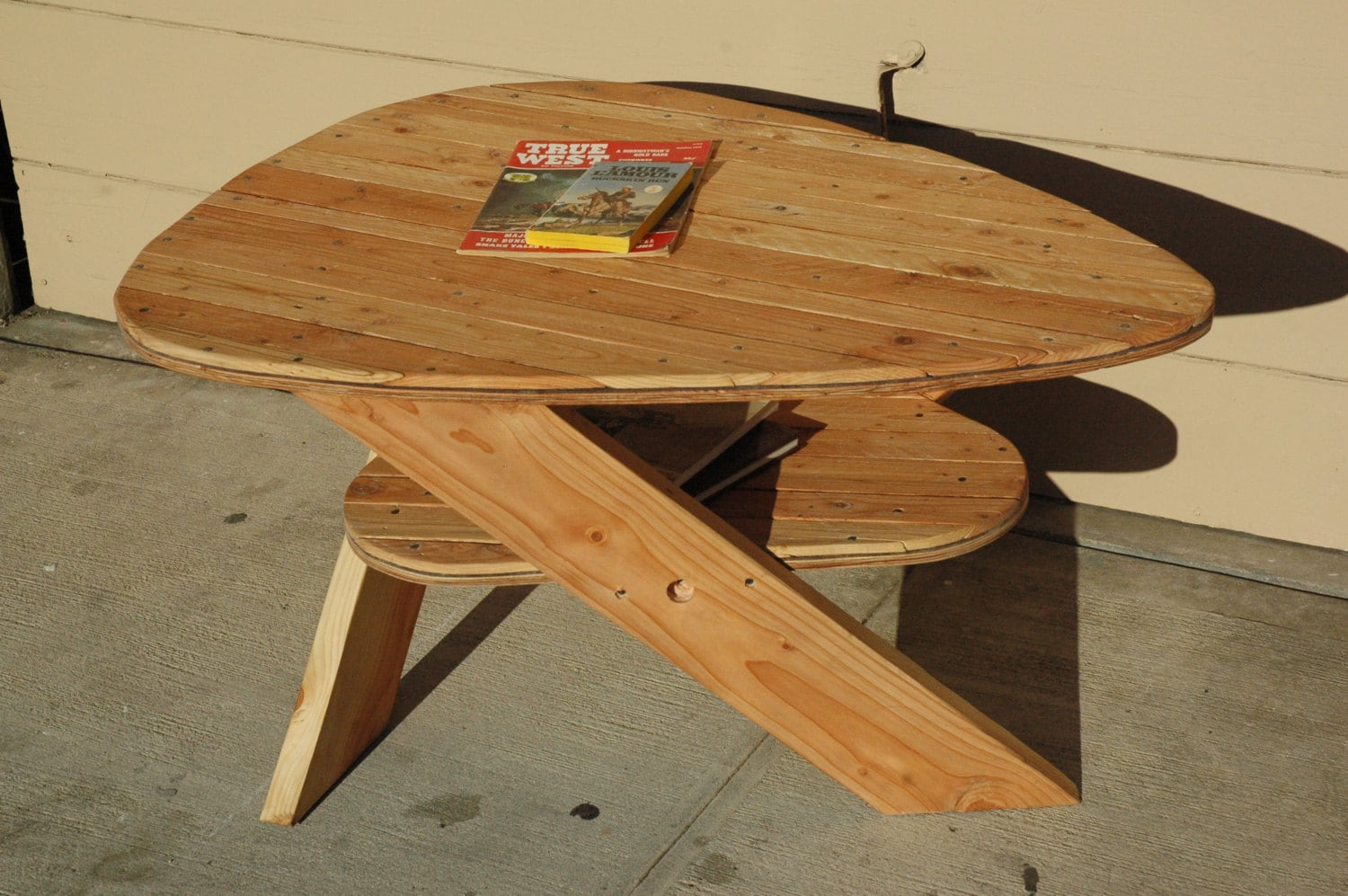 Upcycled Pallet Coffee Table With Shelf