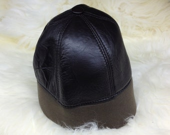 Real shearling leather cap, shearling fur hat, leather hat, beanie fur hat, with stretch textile. Beanie winter hat.