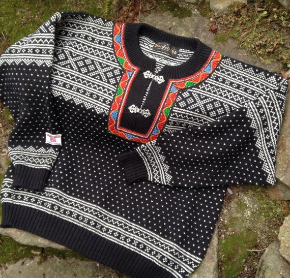 Score Norwegian Sweaters 8