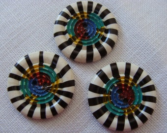 Medium Coolest buttons - black and white with painted center - Casein - French - Boutons