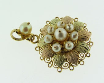 Vintage Gold and Pearl pendant / brooch.