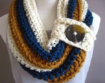 STRIPED BUTTON COWL