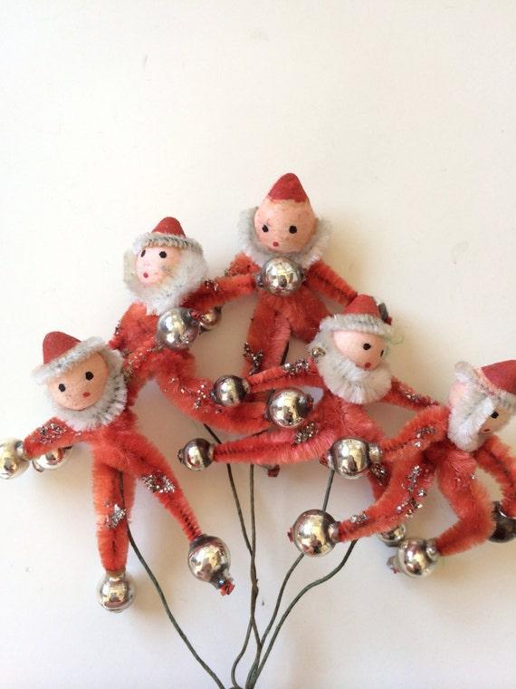Vintage pipe cleaner santa ornaments christmas 1940s for Pipe cleaner christmas crafts