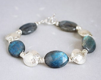 Island Hopper - LABRADORITE & fine silver nuggets bracelet