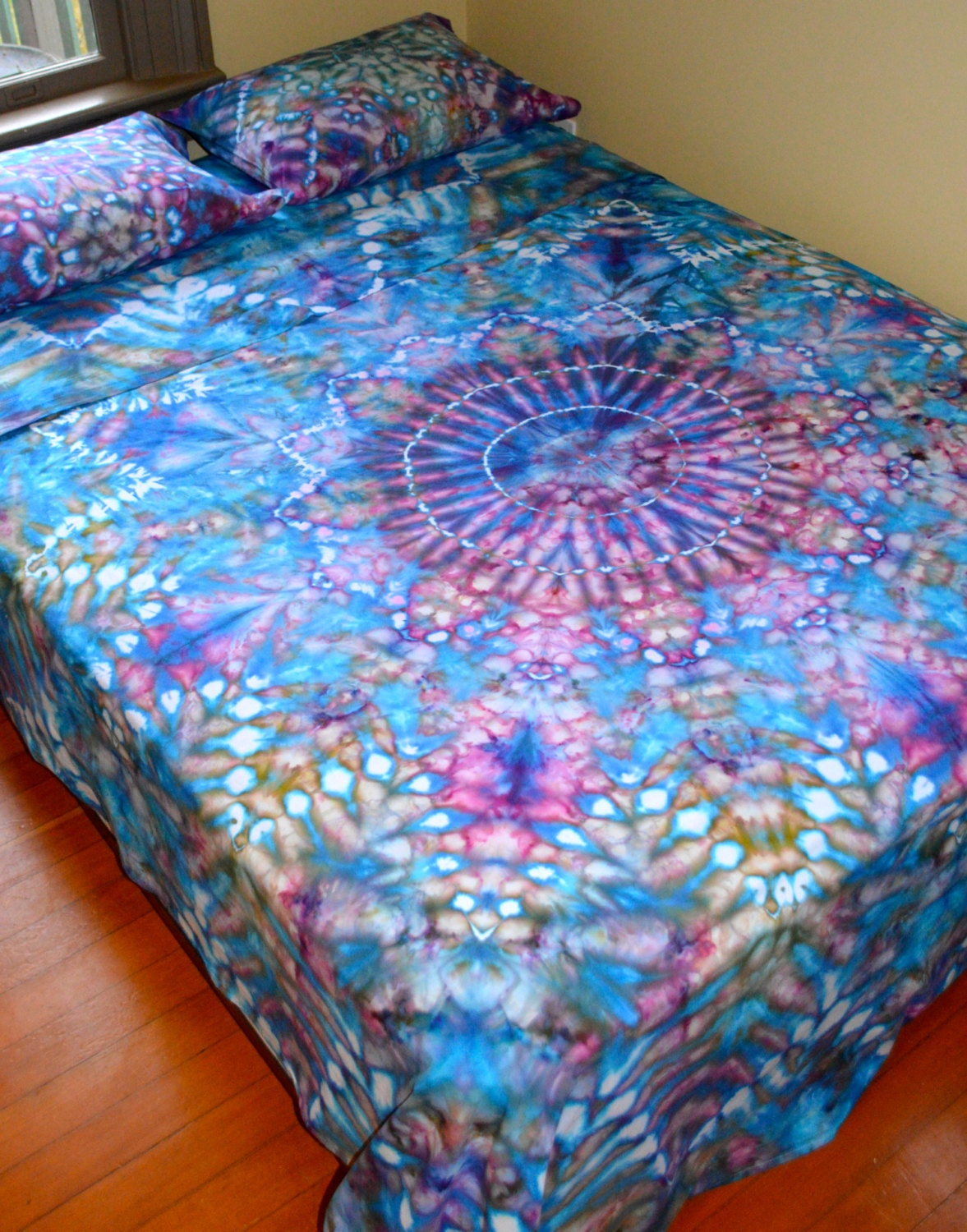 organic hand dyed queen sheet set water mandala by wildflowerdyes. Black Bedroom Furniture Sets. Home Design Ideas