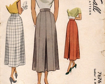 McCall 7676 Skirt with Front Inverted Pleat 1940s Waist 26
