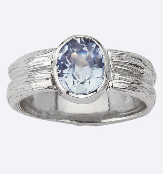 Items similar to Sapphire Ring - Engagement or not - Oval ...