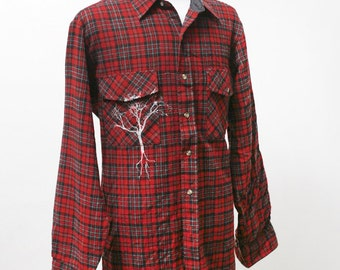 Men's Shirt / Vintage Upcycled Plaid Flannel Shirt with Screen Printed Tree / Size Medium