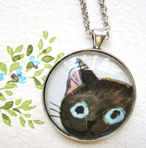 Peekaboo Cat Necklace - catwalk