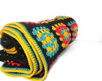 Vintage Granny Square Afghan . Throw Blanket . Bedroom Decor
