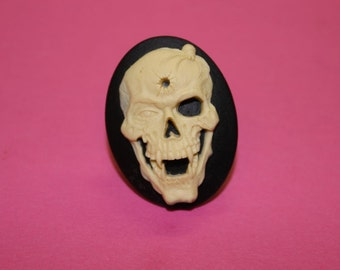 Large Vampire Skull Cameo Ring