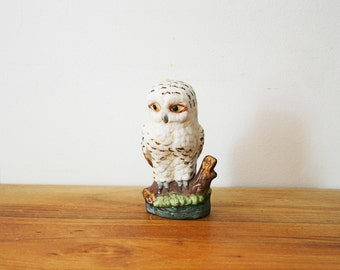 vintage 70s White Snowy Christmas Owl on Branch Shelf Sitter Figurine Home Decor for Your Winter Cabin