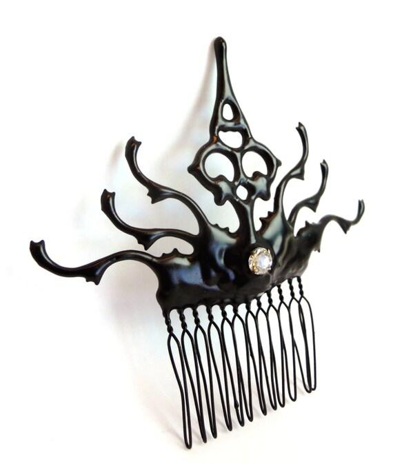 Adorno para el pelo pelo peine gótico carnaval hecho con las manos de reloj negro con