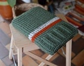 Laptop sleeve, macbook sleeve, apple bag, protective case, army green, autumn colours, knitted 13 inch